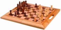 Traditionelles Schachspiel aus Holz